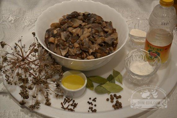 Ингредиенты к рецепту: Подберёзовики маринованные