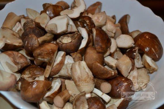 Подготавливаем грибы