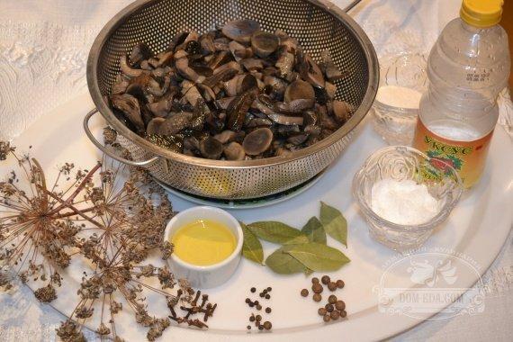 Ингредиенты для рецепта: Подосиновики маринованные