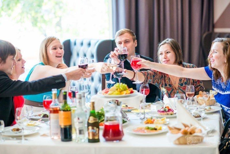 Конкурс праздничные за столом