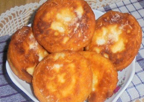 Пончики с яблоками и курагой