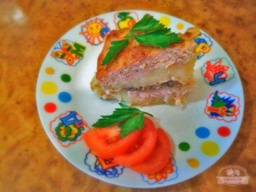 Картофельное пюре с грибами и сыром под мясной корочкой в духовке