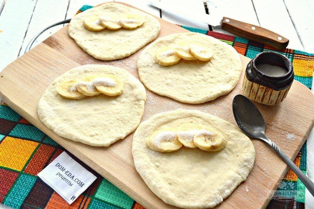 Вкусные плюшки из дрожжевого теста с фото
