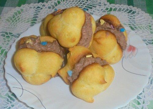 Пирожные с шоколадно-сливочным кремом