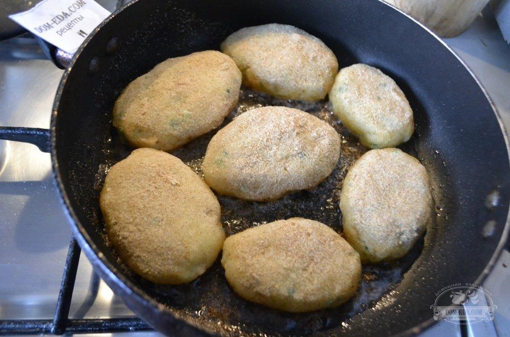 Сколько жарить зразы на сковороде