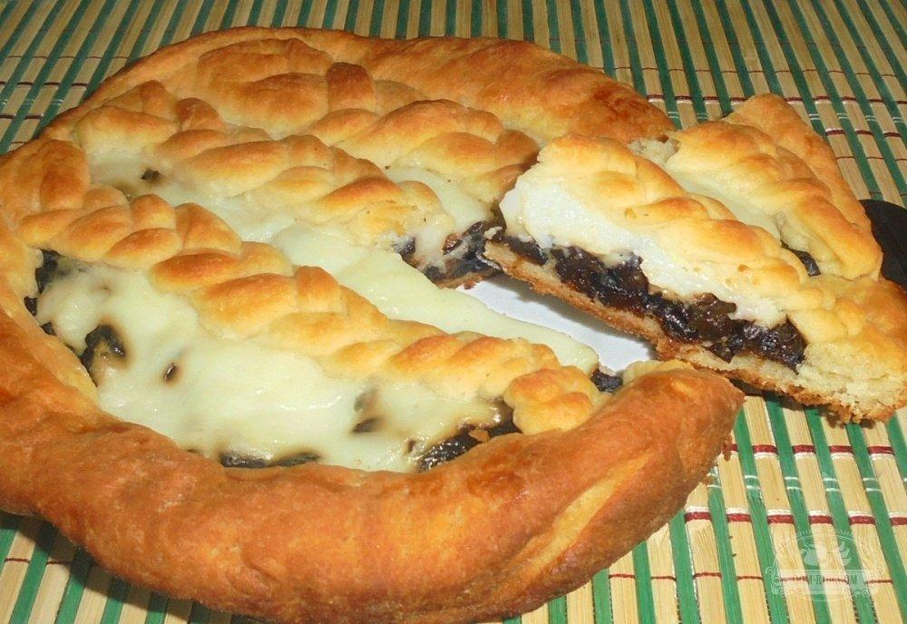 Дрожжевые пирожки с печенью в духовке