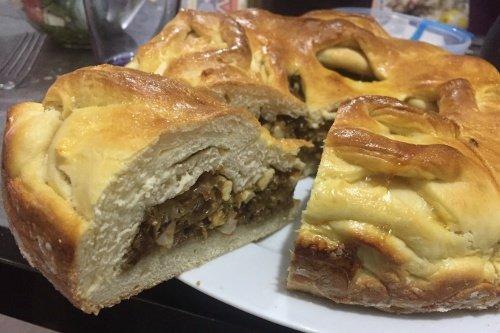 Пирог с капустой и вареным яйцом