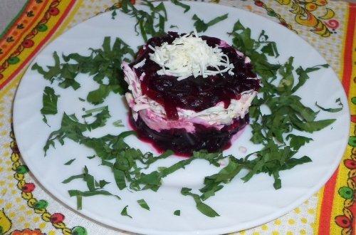 Салат из брынзы и свеклы