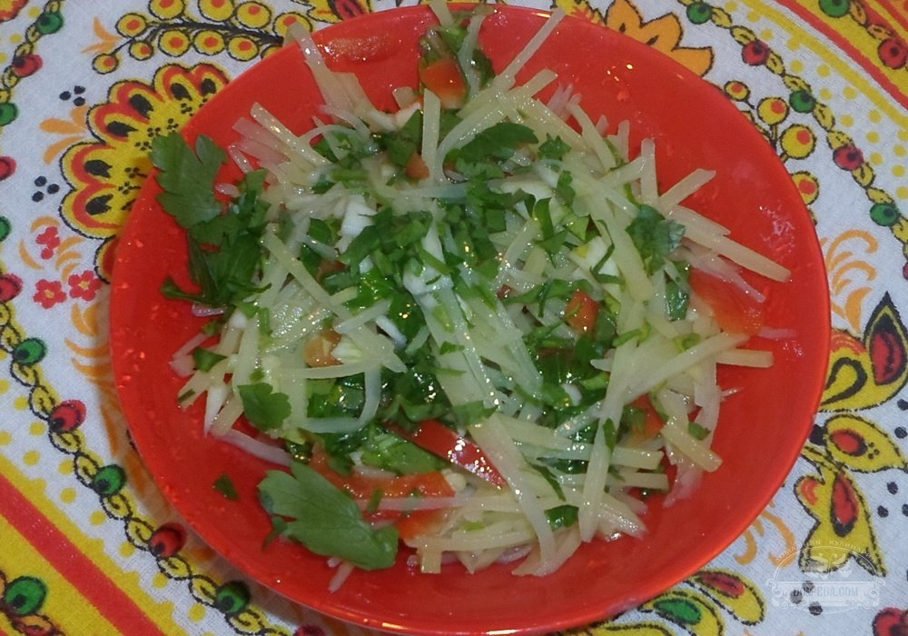 Салат из сырой картошки рецепт