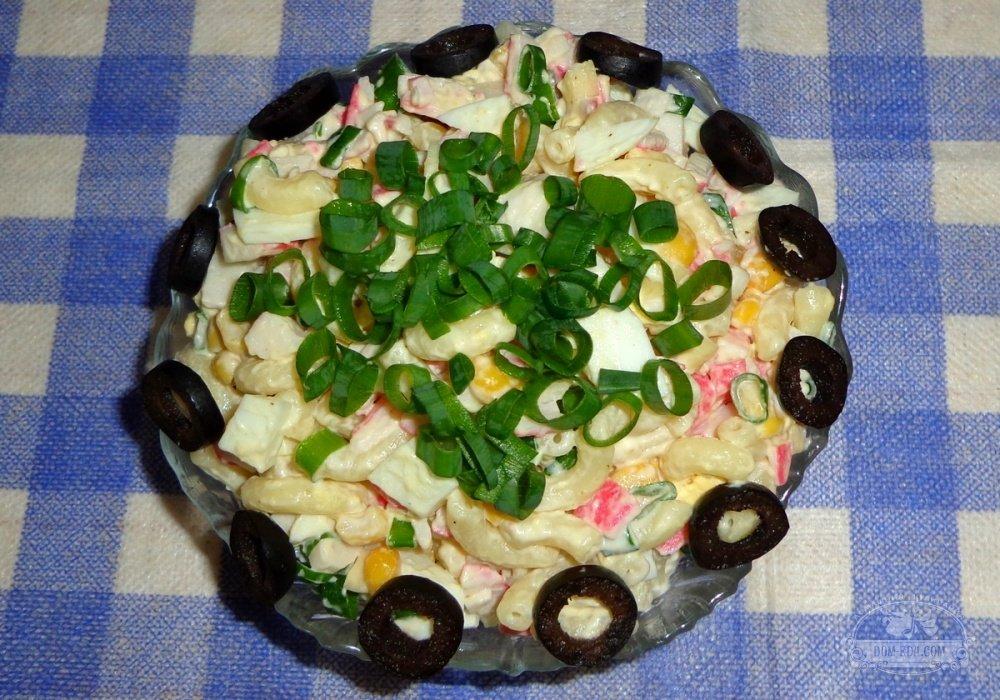 Салат с кукурузой быстрого приготовления