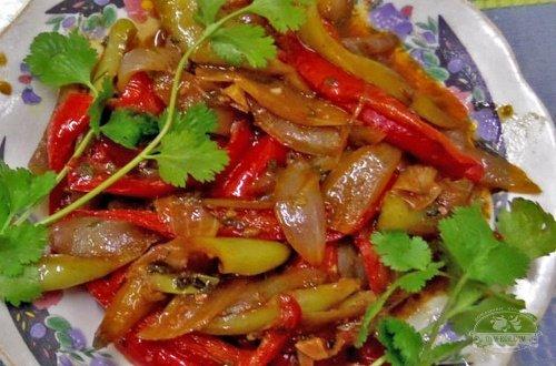 Салат из болгарского перца и лука