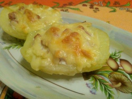 Лодочки из молодого картофеля, фаршированные ветчиной