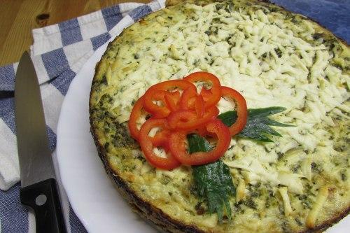 Открытый пирог с зерненым творогом и шпинатом