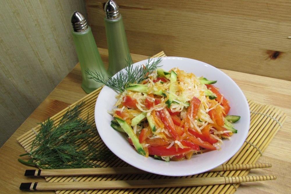 Салат с дайконом и секлой
