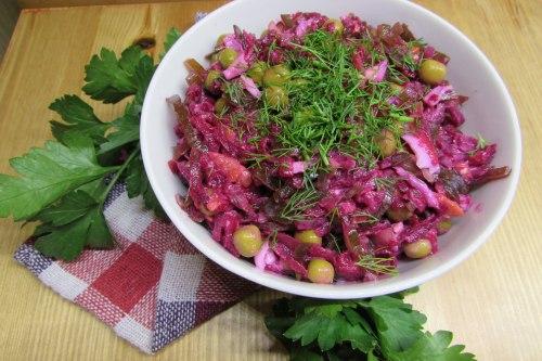 Салат витаминный из свеклы и морской капусты