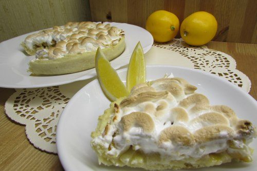 Тарт с лимонным курдом и грушами