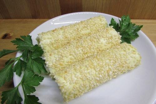 Закусочные рулетики из плавленого сыра