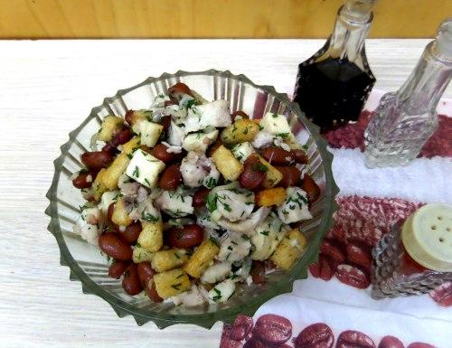 Салат из фасоли с куриной грудкой