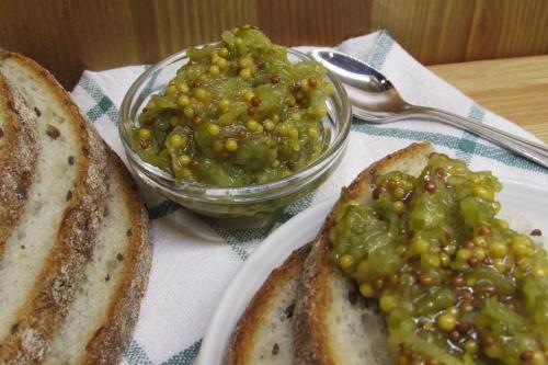 Намазка из соленых огурцов и горчицы