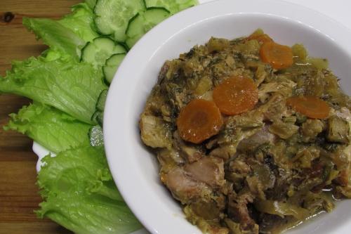 Свинина в луково-укропном соусе