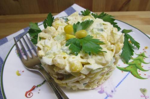 """Салат """"Техас"""" с копченым сыром"""