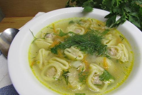 Суп с пастой лумакони и фаршем